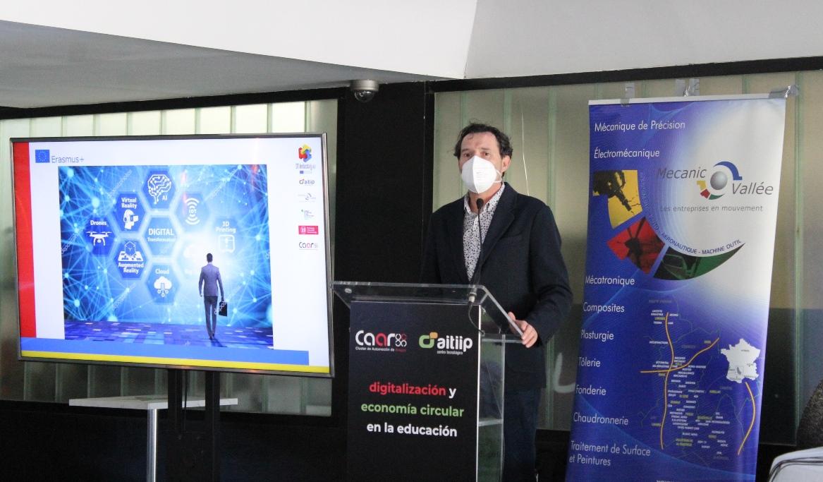 JC Dueñas educación industria40 web