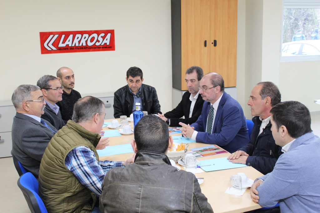 Reunión Lamban en Larrosa Arnal medios