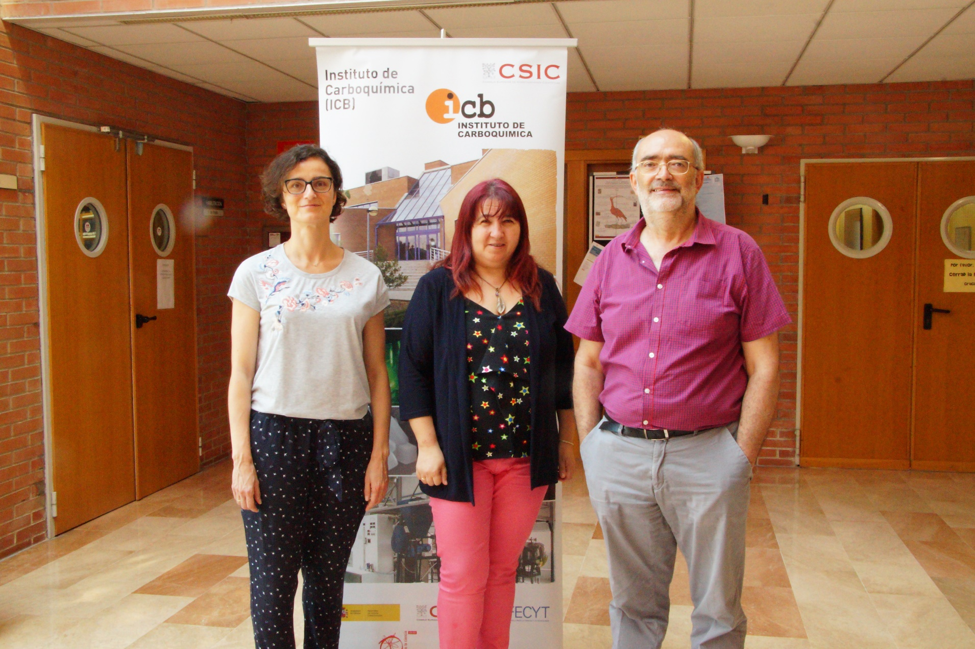 foto de Navarro, Lázaro y Adánez en el ICB