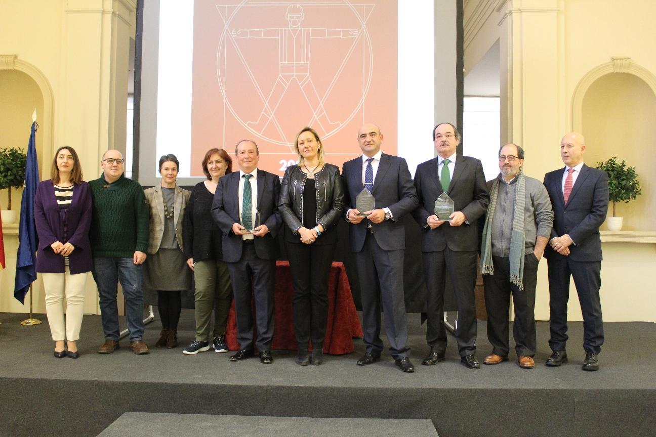 foto de familia de los premios Aragón,comprometido con la prevención