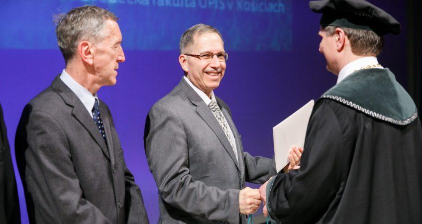 medalla de oro Larry Falvello ICMA2